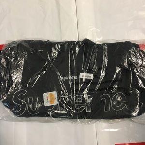 Supreme FW18 duffle bag